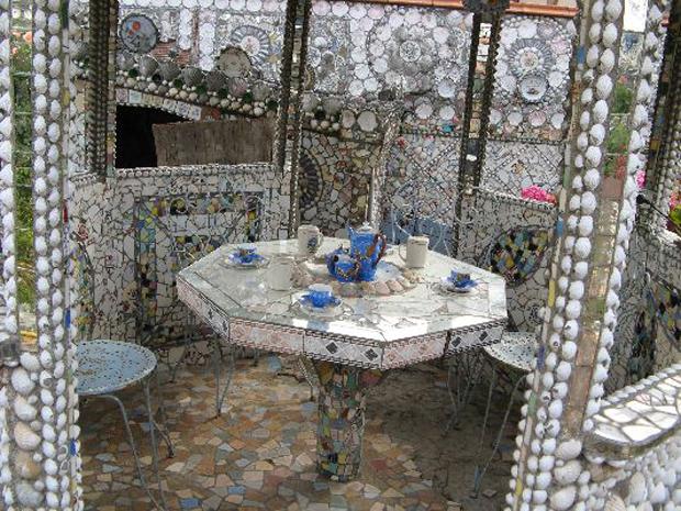 Душевая Мозаика из битой посуды своими руками