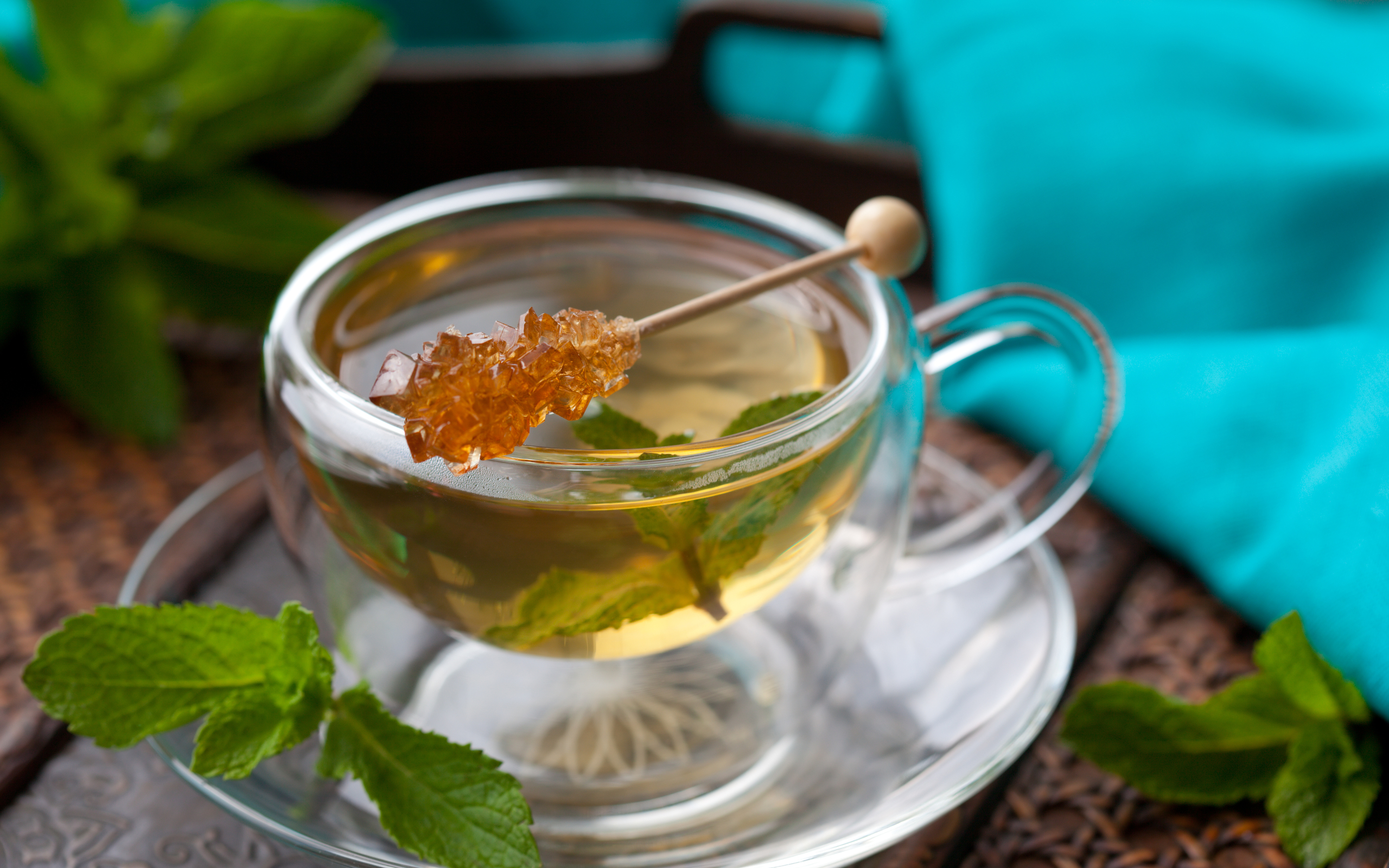 Вкусный чай с мятой