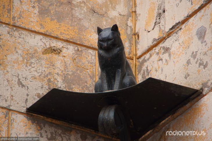 Памятники кошкам в Санкт-Петербурге