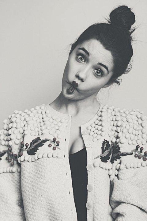 10 признаков, что девушка реально сумасшедшая :)
