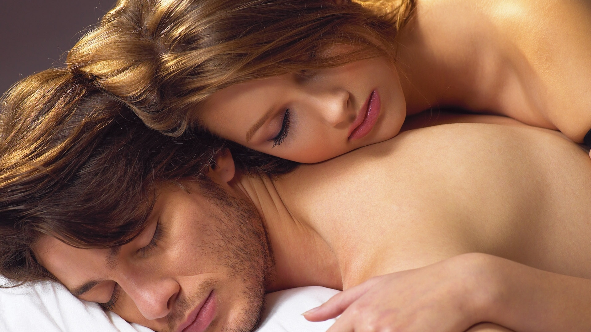 Как мужчине сделать приятное в постели руками