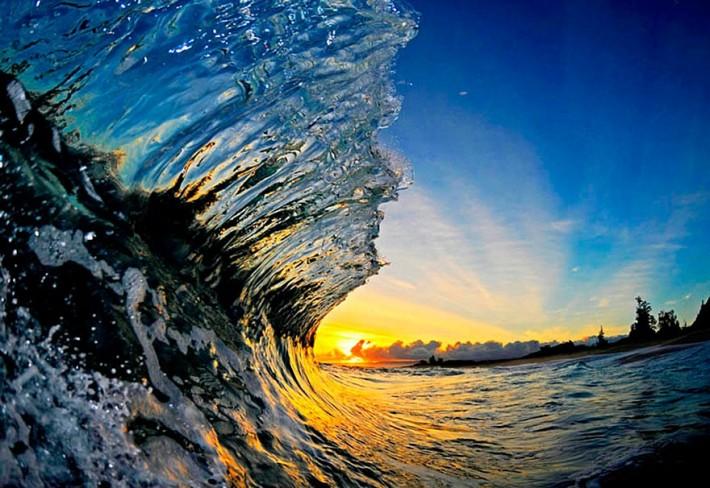 Красивые снимки из под гребня волны от Кларка Литтла (32 фото)