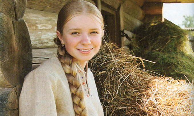 Русская девушка на девишнике
