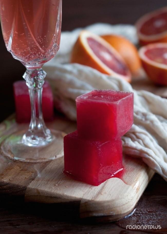 Сок красного апельсина