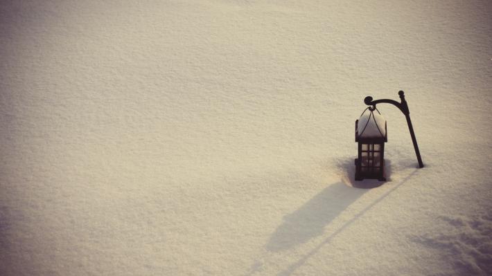 Зимние обои на рабочий стол фонарь в снегу