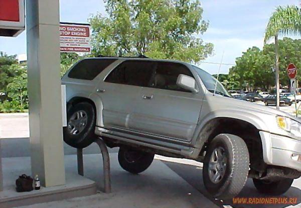 Чудеса парковки :)